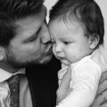 Rogier heeft 3 kinderen onder de 6 jaar… pfffff. Lees het interview met deze hunk!