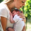 'Onzekerheid over de borstvoeding zorgde voor deze postnatale depressie. Medicijnen zorgden ervoor dat ik weer mezelf werd!'