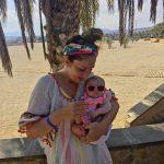 """Blogster Esmee reist met een newborn: """"Fuerteventura was een groot succes. Nee echt. Dit is geen sarcasme (echt niet)."""""""