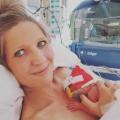"""Met een baby van 29 weken oud besefte Kim: """"ze komt vandaag…"""""""