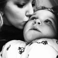 Mijn postpartum depressie: ik stopte met acteren! Ik zei altijd dat het goed ging terwijl ik op mijn tandvlees liep