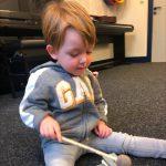 Onze zoon is een muzikaal talent, ik weet niet of ik moet lachen of huilen…
