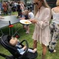 Ruilde fashionista Maike Beunk haar krulset, make-up en top feestjes in voor bankhangen met de baby?!