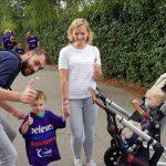 """Dineke blikt terug: """"Mijn ene zoon had een hersentumor en van mijn andere zoon kon ik elk moment bevallen"""""""