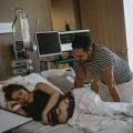 """Bevallingsverhaal: """"De verloskundige deed iets wat ik nog nooit gevoeld had, ook niet bij de eerste bevalling"""""""