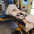 Kleine Nikki heeft leukemie en moet met spoed met de ambulance mee!