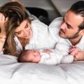 """Kraamverzorgster Rose: """"Als de baby nu niet adem haalt, begin ik met reanimatie"""""""