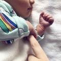 """Bevallingsverhaal: """"Mijn bevalling was in volle gang, terwijl op datzelfde moment mijn man een auto ongeluk kreeg en naar het ziekenhuis werd gebracht"""""""