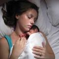 Baby Jayden heeft een hersenbeschadiging opgelopen, dit uit zich in Cerebrale Parese