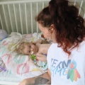 Mama Arwen vertelt over de dag waarop baby Jayme eindelijk het peperdure medicijn Zolgensma krijgt