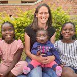 Ik kreeg in Malawi een vraag die mijn leven op z'n kop zette: namelijk of ik Maria, Diana en Teleza wilde adopteren