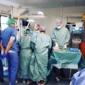 Ouders kunnen alleen maar hopen dat Ava (25 weken oud) dit gaat overleven en ik als NICU- verpleegster hoop met ze mee…