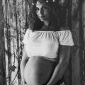"""Geboorteverhaal Aukje van Ginneken: """"Ik zat op handen en knieën en checkte of de navelstreng niet om haar nekje zat"""""""