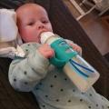 Blogster Kelly geeft flesvoeding, en flessentips, want tsja er bestaat geen flessenconsulent