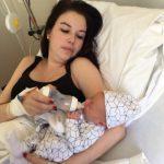Hoe ik uren na mijn ziekenhuisbevalling thuis de helft van mijn bloed verloor