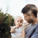 VIRAL: Goed gesprek tussen papa en baby