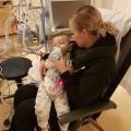 Kleine Riley kwam op de Intensive Care met  ademhalingsproblemen