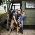 Sebastiaan en Kim Labrie gaan de wereld rondreizen, ze vertellen hoe kleine Ziggy toch goede educatie krijgt