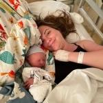 Baby Lev heeft een apgarscore van 1-5-7, er blijkt iets mis