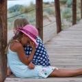 Weg schuldgevoel, vervelen in de vakantie is goed voor je kind!